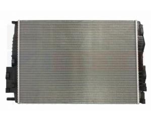 Радиатор охлаждения Renault Megane 05-